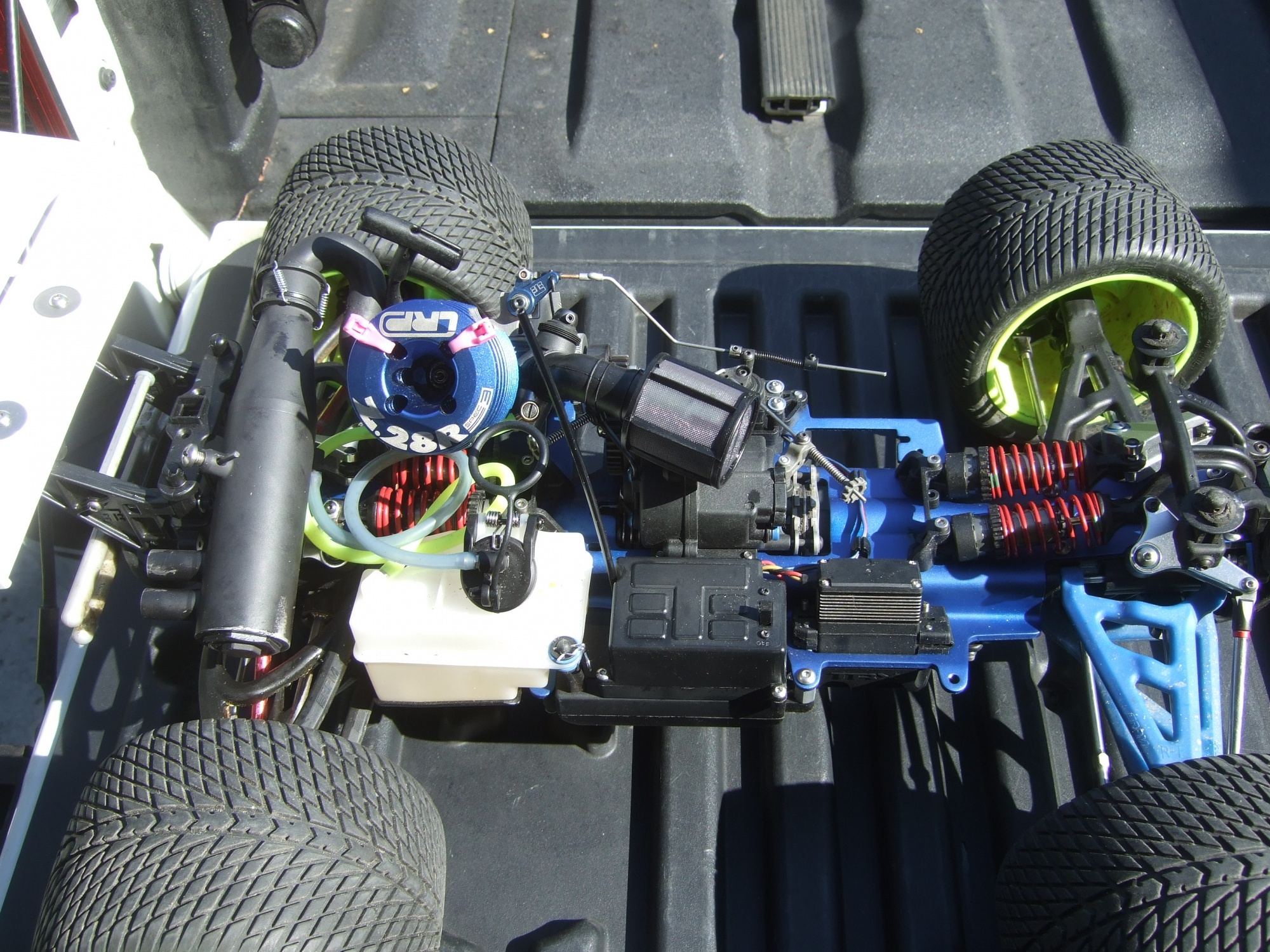 Traxxas Nitro Revo 3.3 Big Block conversion